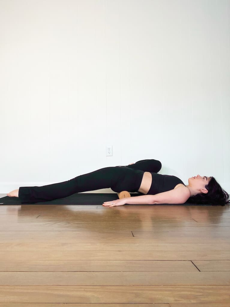 hip extension with roller