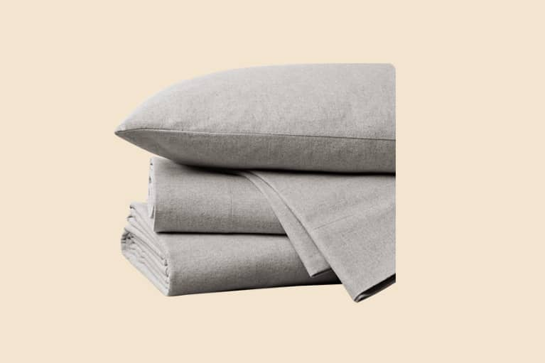<p>Cloud Brushed&nbsp;Organic Flannel Sheets</p>