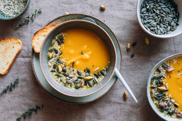 This Fiber-Filled Soup Is The Perfect Post-Feast Detox (And It'll Make Your Skin Glow!)