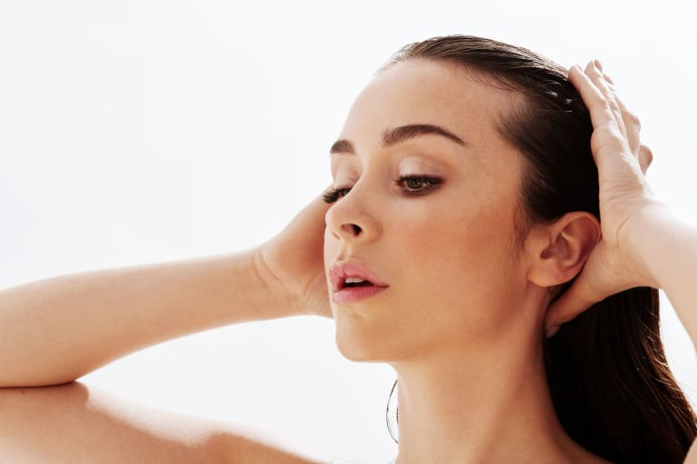Have An Itchy Scalp? You May Be Air-Drying Your Hair Wrong