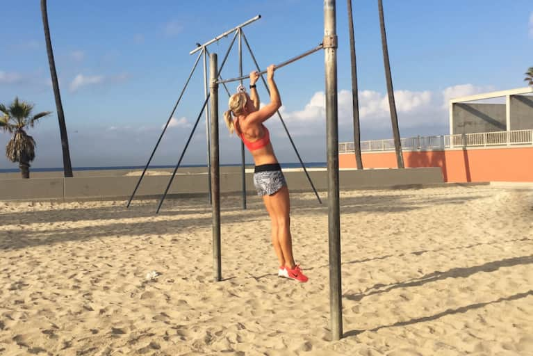 The Only 4 Moves You Need To Master A Pull-Up