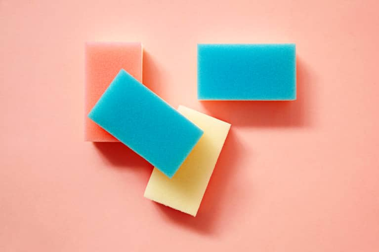 How Often To Replace Your Kitchen Sponge, According To A Toxicologist