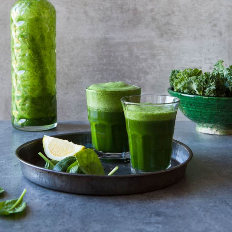 The Affordable Secret Ingredient Foodies Are Using To Make Their Smoothies Way Healthier