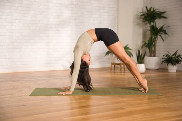 Ditch Back Tightness With This 14-Minute Spine-Stretching Yoga Flow