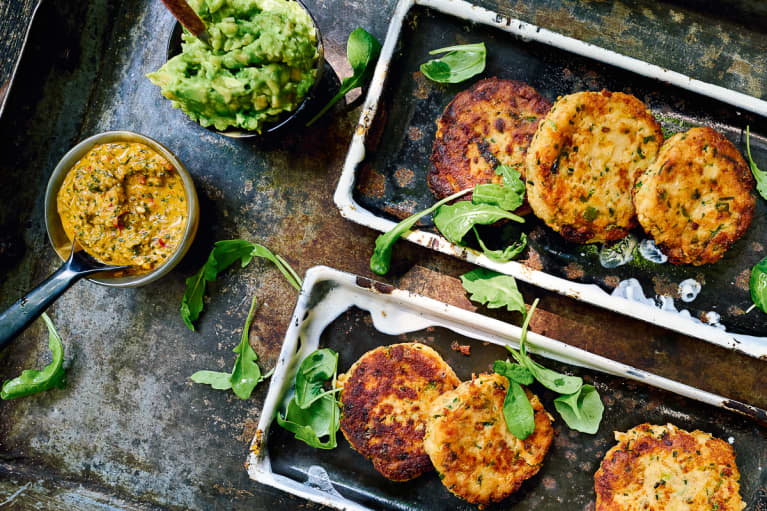 Forget Crab: Throw Together These Salmon Cakes With One Can Of Fish