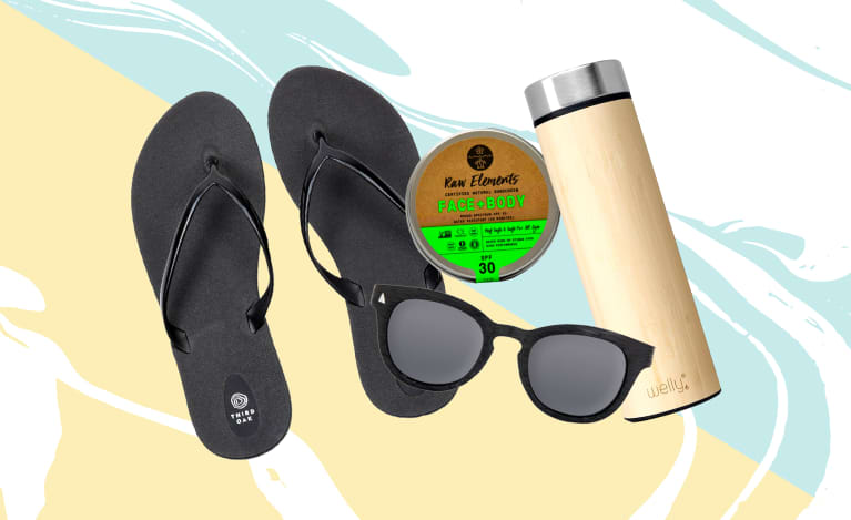 Throw These 7 Things In Your Beach Bag For Your Most Sustainable Summer Ever