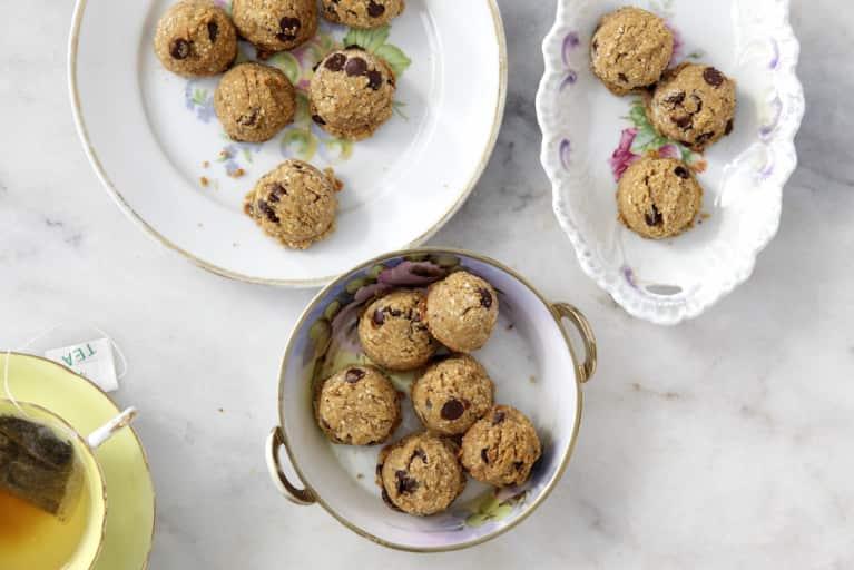 The Vegan + Kosher Chocolate Chip Cookies That Will Win Passover