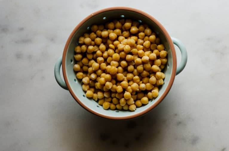 12/8/20 4 Of Our Go-To Easy Chickpea-Based Recipes, All Packed With Plant-Based Protein