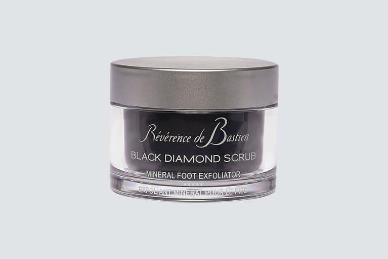 <p>Reverence de Bastein Black Diamond Scrub Foot Exfoliant</p><p><br></p>