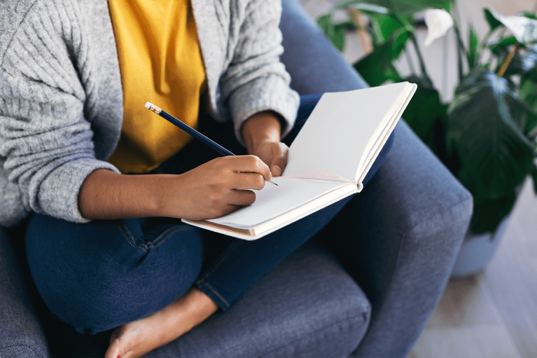 Why This Neuroscientist Wants You to Write with Your Non-Dominant Hand for Better Brain Health