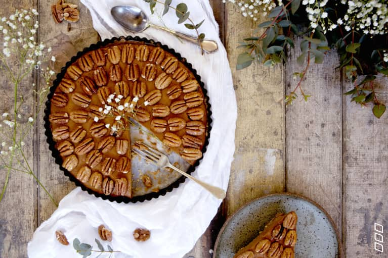 A No-Bake Salted Caramel, Pecan & Sweet Potato Pie (Fitness Expert Approved!)