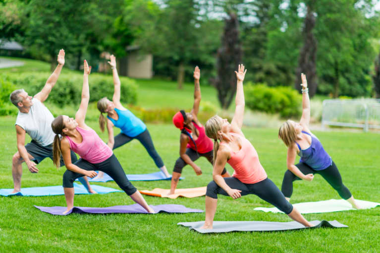 2 Common Yoga Practices That Can Lead To Injuries