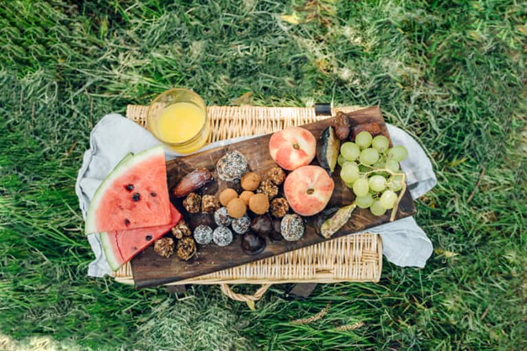 5 Genius Ideas For Your First Picnic Of The Season