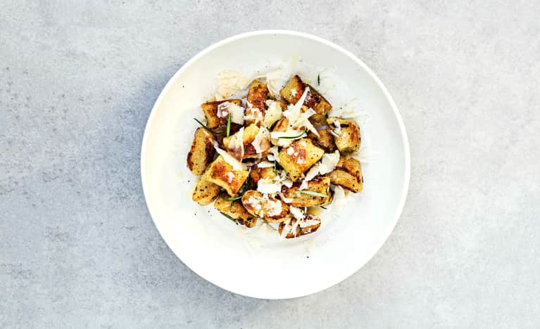 plate of gnocchi pasta