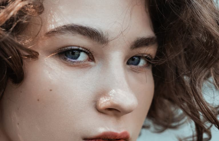 Put Down Those Tweezers: How To Actually Grow Eyebrows Back