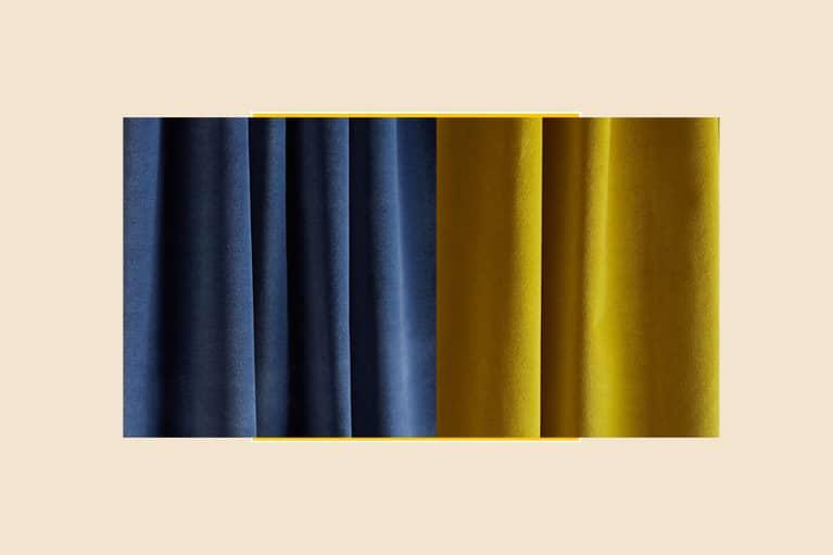 <p>Matte Velvet Curtain</p>