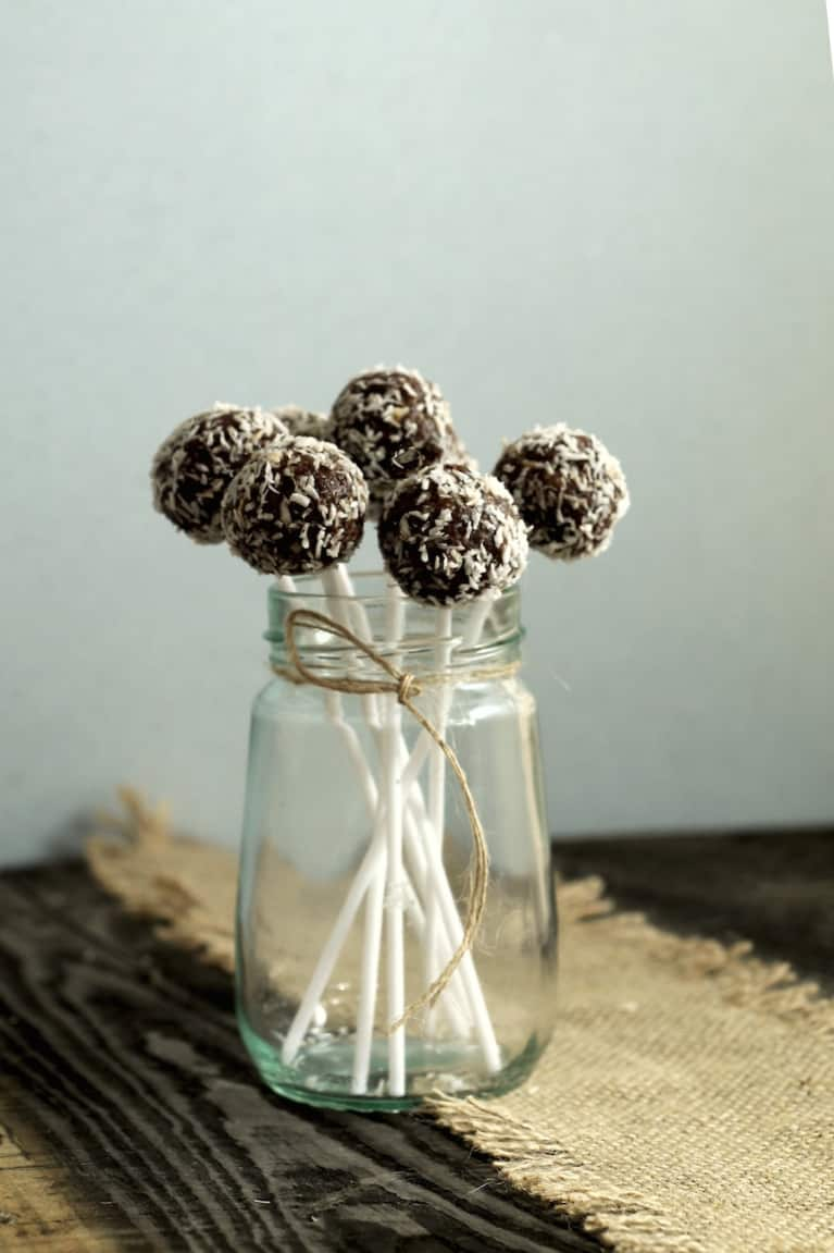 Raw Snowball Cake Pops