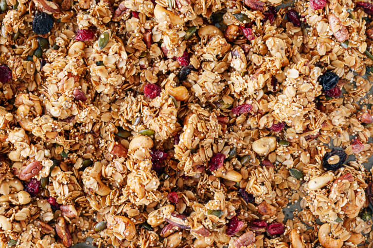 This Healthy Citrus Granola Is The Perfect Start For Vegan Breakfasts