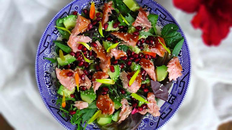A Lighter Lunch: Arugula, Pomegranate + Salmon Salad