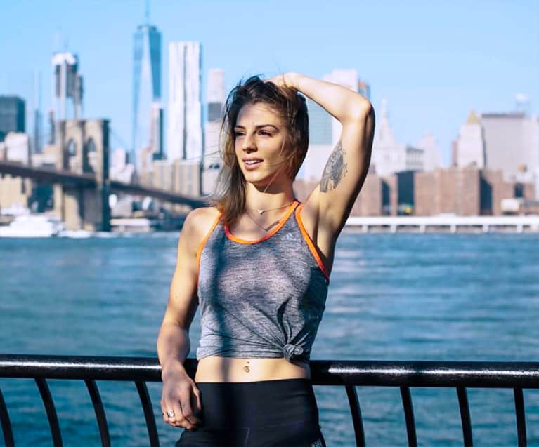 3 Moves To Strengthen Your Core (No Equipment Required!)