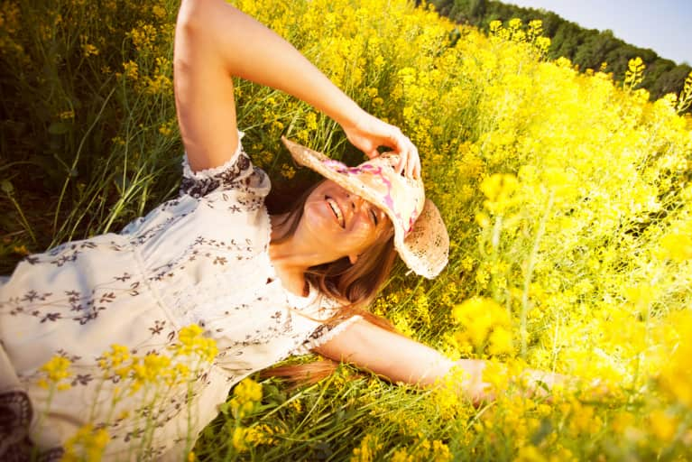 5 Holistic Ingredients To Look For When Relieving Spring Allergies