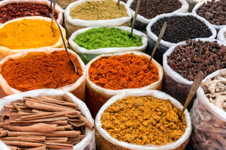 16 Herbs & Spices To Add To Your Anti-Aging Diet