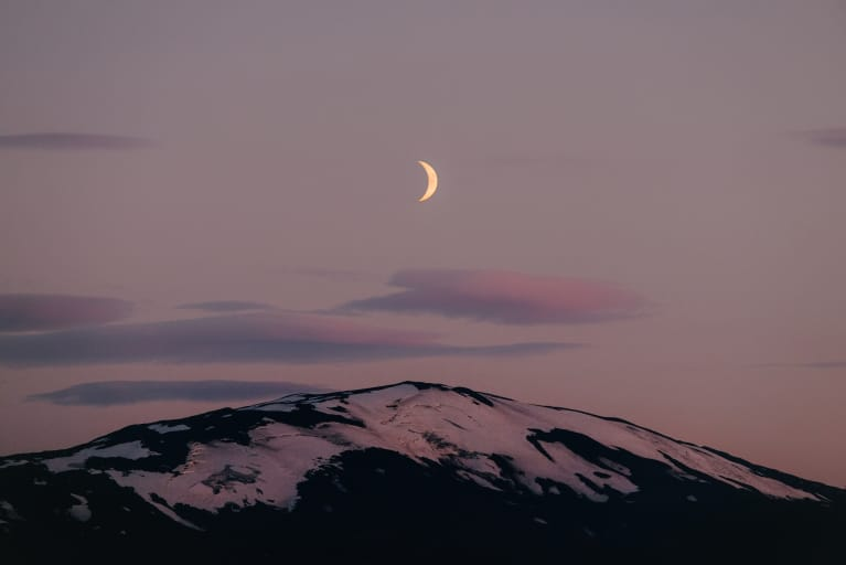 A Pleasure-Packed Ritual To Ring In The Taurus New Moon