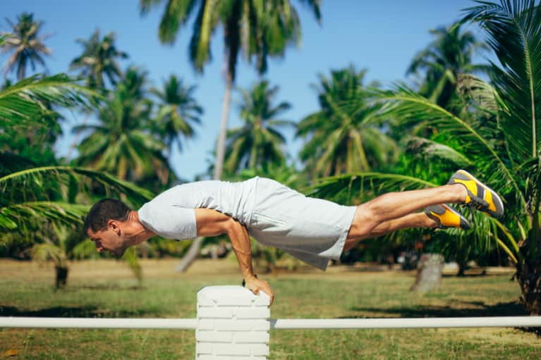 4 Mind-Body Tricks That Instantly Make You Stronger