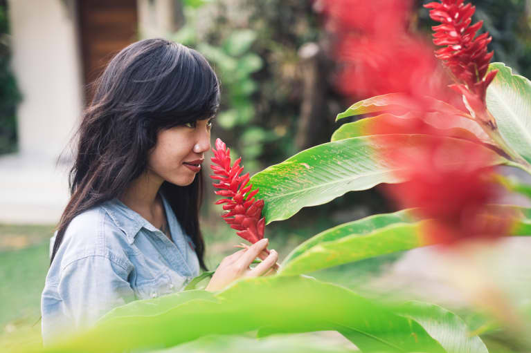 3 Natural Scents Guaranteed To Make You Happy Right Now
