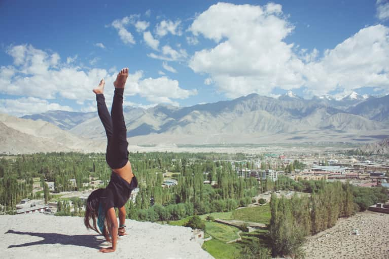 3 Simple Exercises That Will Help You Finally Nail That Handstand