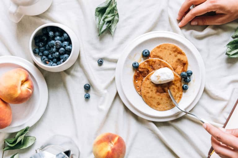 London Celebs Flock To This Trendy Cafe For These Vegan, Gluten-Free Pancakes — And We Snagged The Recipe