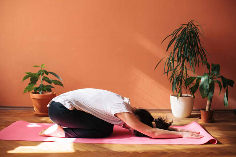 Want To Do Yoga & Pilates At Home? Use These 6 Tips To Spruce Up Your Space & Strengthen Your Practice