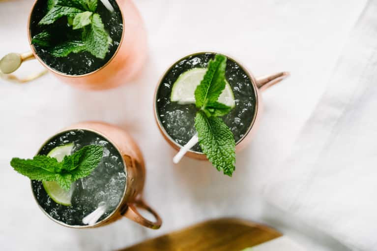 Keep Your Spirits Bright: Healthier And Booze-Free Winter Cocktail Options