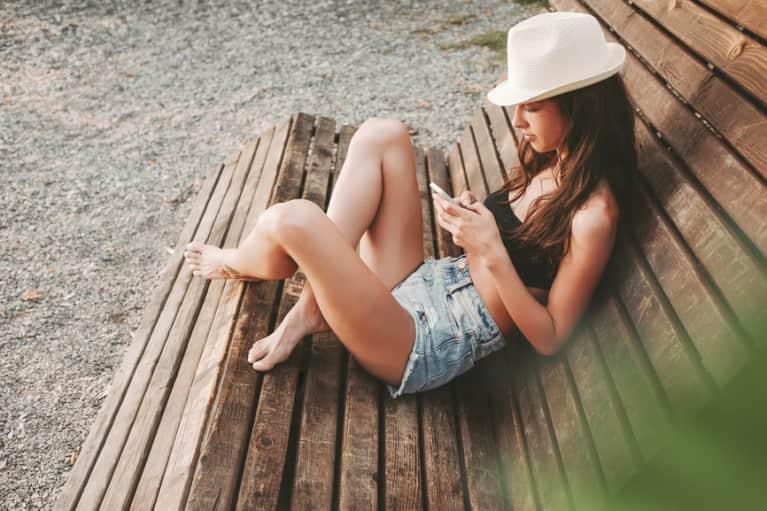 5 Signs You Need A Social Media Detox, Stat