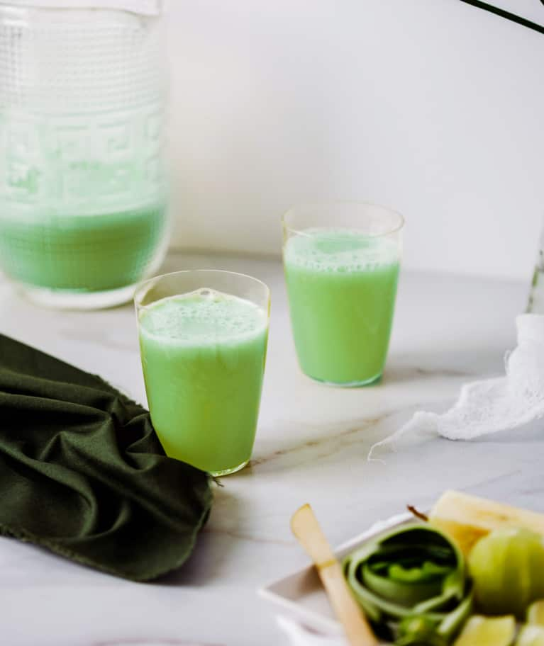 The Green Tonic That's Helped Balance My Hormones & Heal My Thyroid