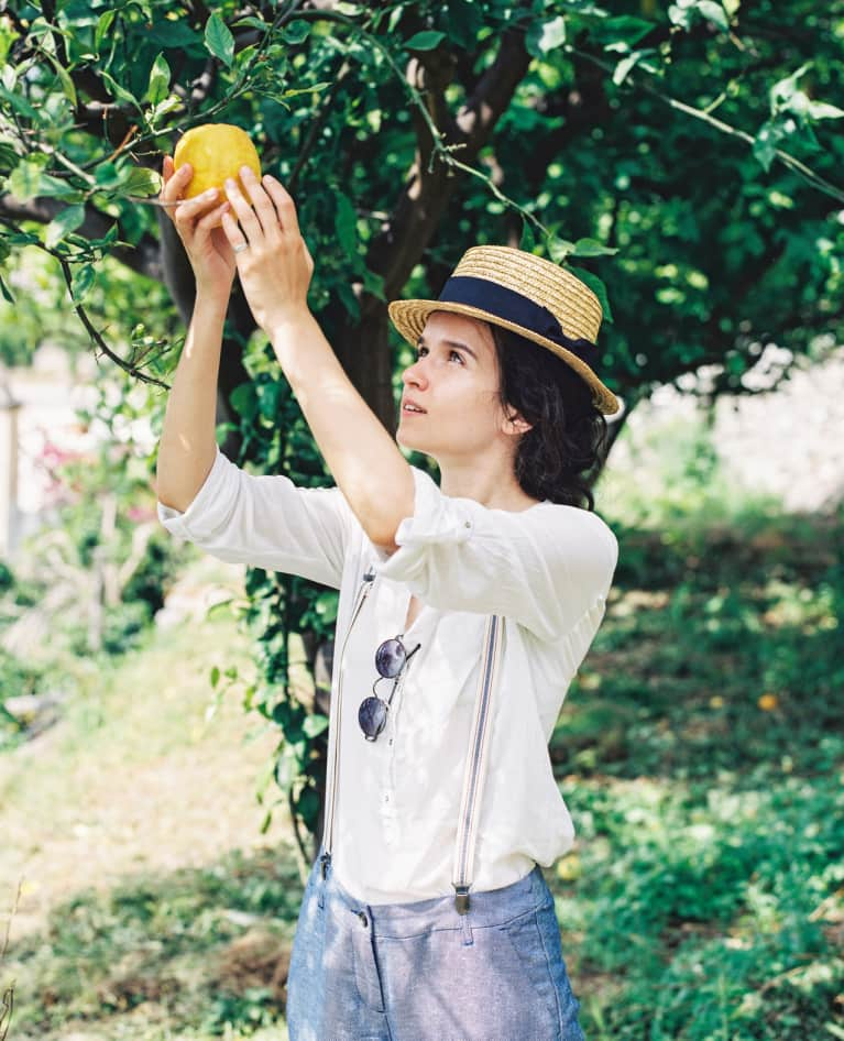A DIY Perfume That'll Make You Smell Like Sunshine