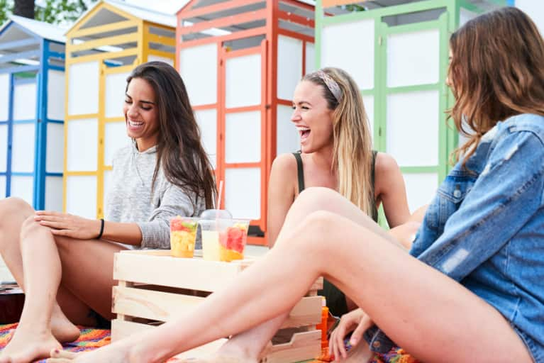 How To Avoid Junk Food & Booze (Without Killing Your Social Life)