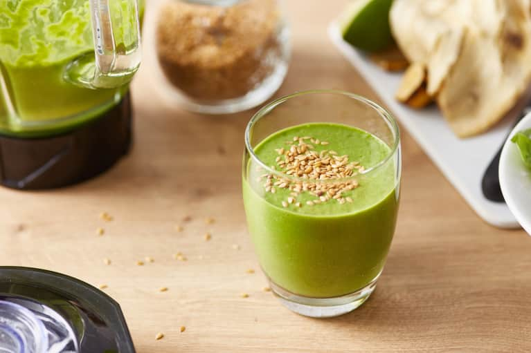 The Perfect Green Smoothie Formula + 5 Delicious And Easy Combos