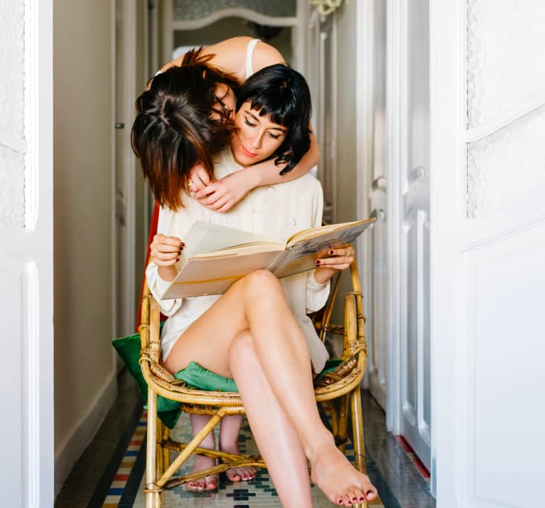 7 Relationship Books That Actually Work, According To Real People
