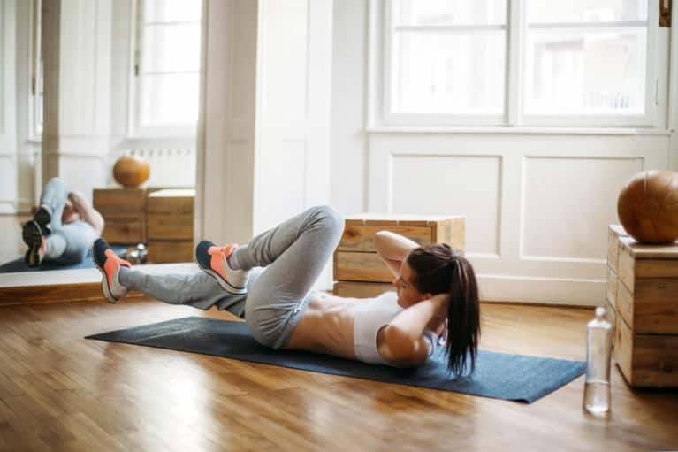 Here's A 12-Minute HIIT Workout You Can Do In Your Apartment