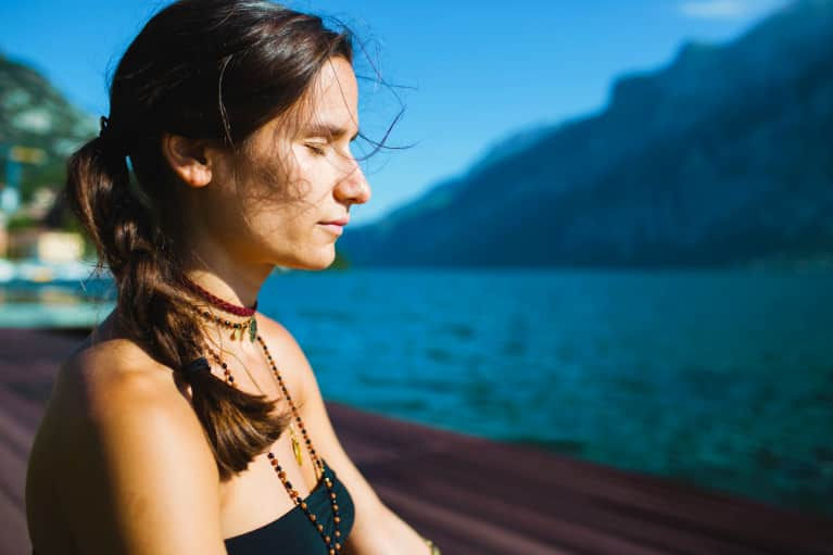 I Got Long-Distance Reiki From Someone Across The World — Here's What Happened