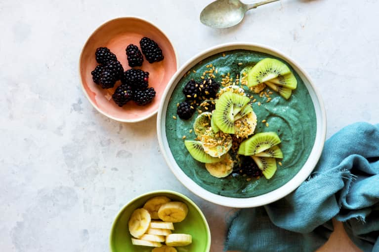 The Weird, Gut-Healing Ingredient This Nutritionist Puts In Her Smoothies Daily