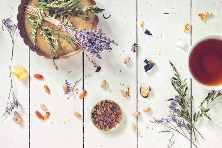 These Brain-Boosting Adaptogens Will Make You Wanna Ditch Your Coffee