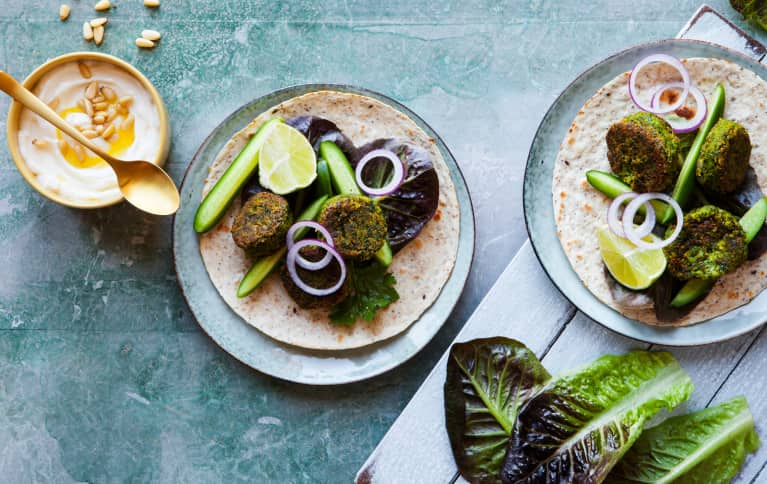 Meet Your New Addiction: Perfectly Fluffy, Bright Green Falafel
