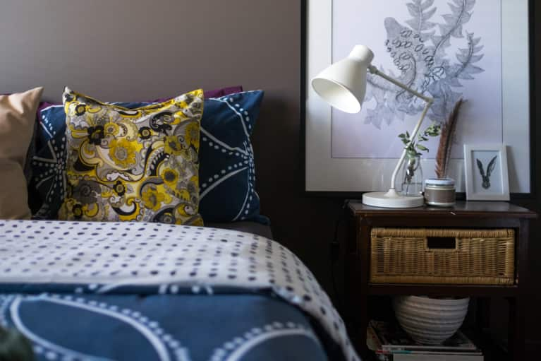 4 Simple Room Changes To Make For A Great Night's Sleep: A Doctor Explains