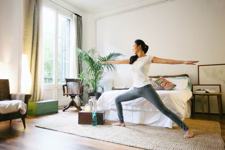 A 1-Minute Yoga Sequence That Will Calm You Down For Bed