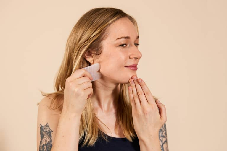 I Tried Gua Sha For 2 Weeks Straight — Here's What It Did To My Skin