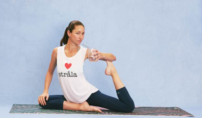 Celeb Yogi Tara Stiles Wants You To Ditch Your Straw