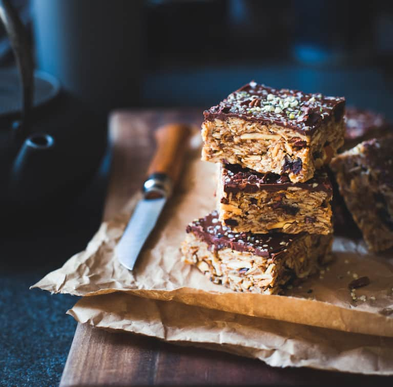 These Cherry + Chocolate Oat Bars Are The Perfect Dessert/Breakfast Hybrid