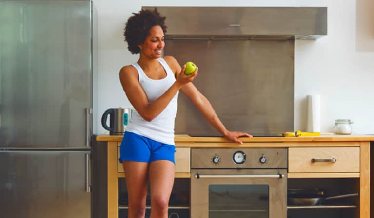 A 2-Minute Workout You Can Do At Your Kitchen Counter
